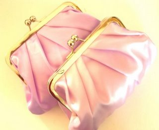 Bridesmaids'-clutch-bags_we