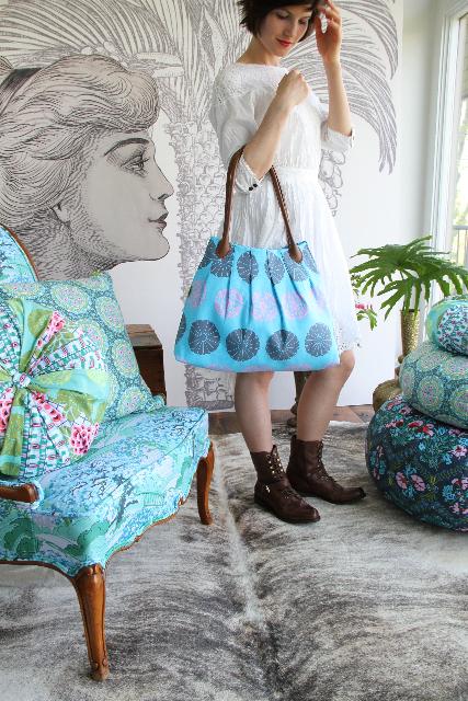 http://u-handbag.typepad.com/.a/6a00d8341c574653ef0176178612df970c-pi