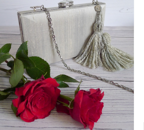 Vintage tassel rose blog