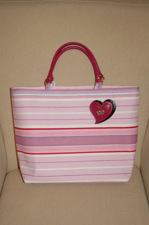 Ann_pink_bag