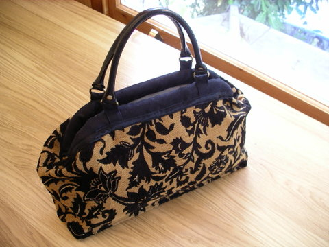 The Carpetbag pattern from Indygo Junction