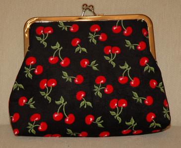 Medium_cherries_purse